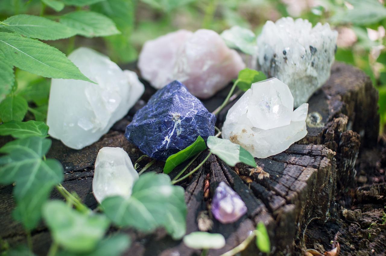 Tajná řeč kamenů – rozlomený krystal