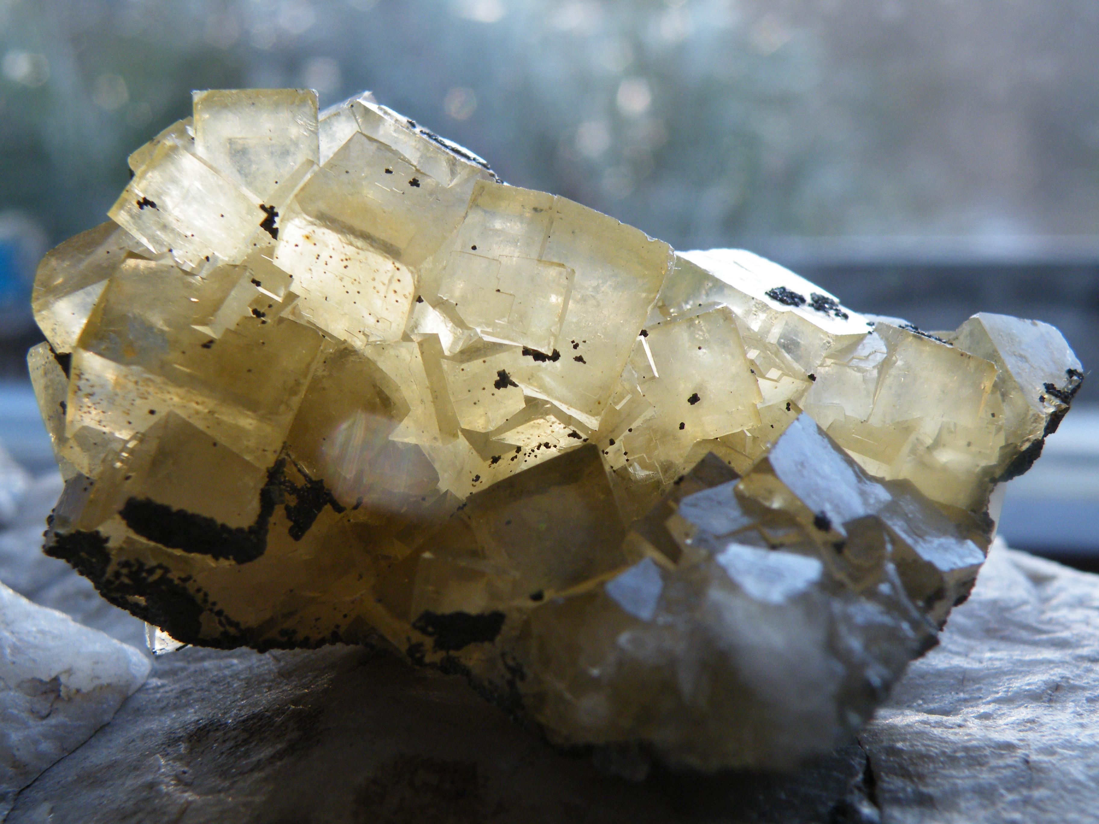 Fluorit žlutý