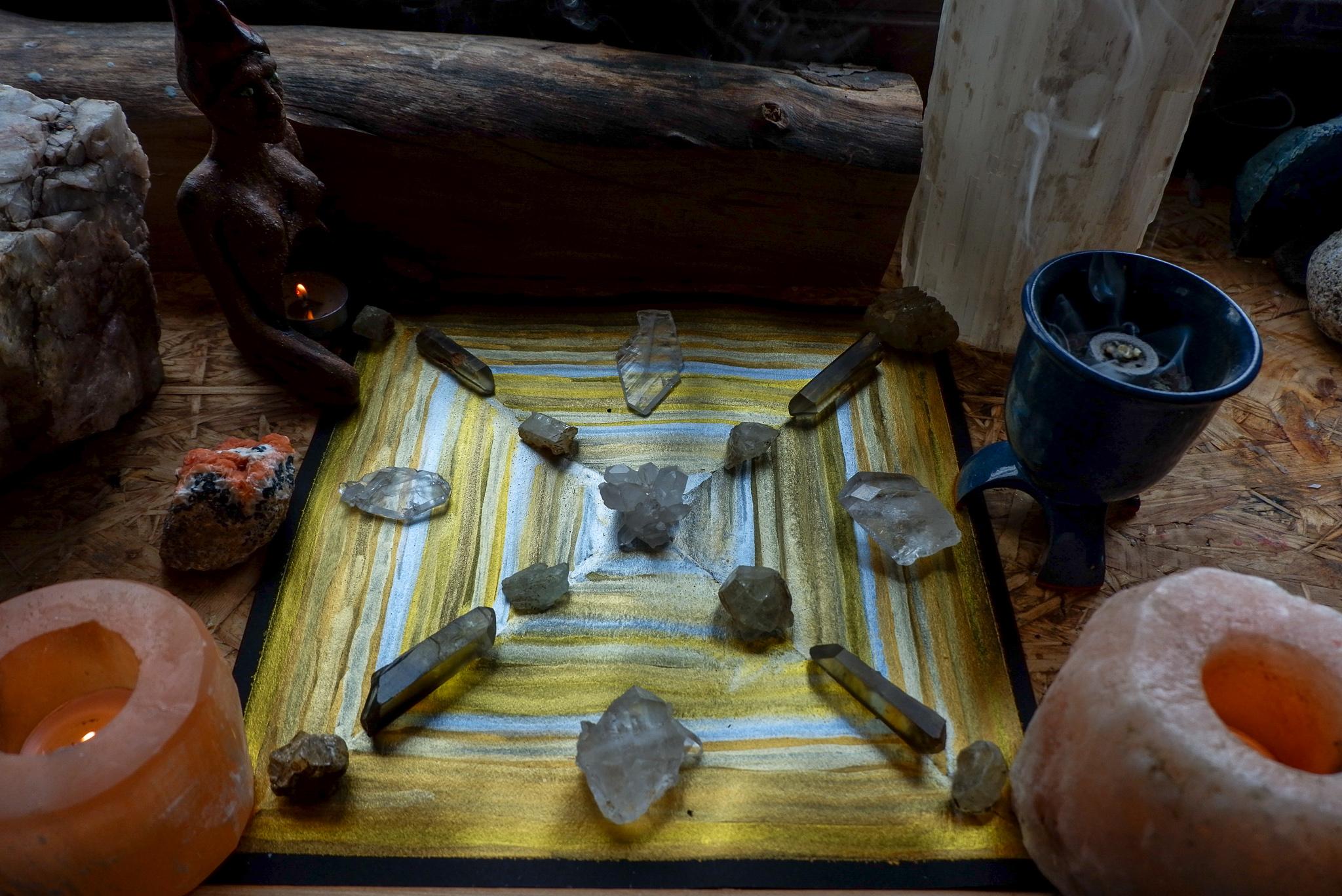 Tvoření krystalové mřížky jako aktivní meditace (dnes téma hojnost)