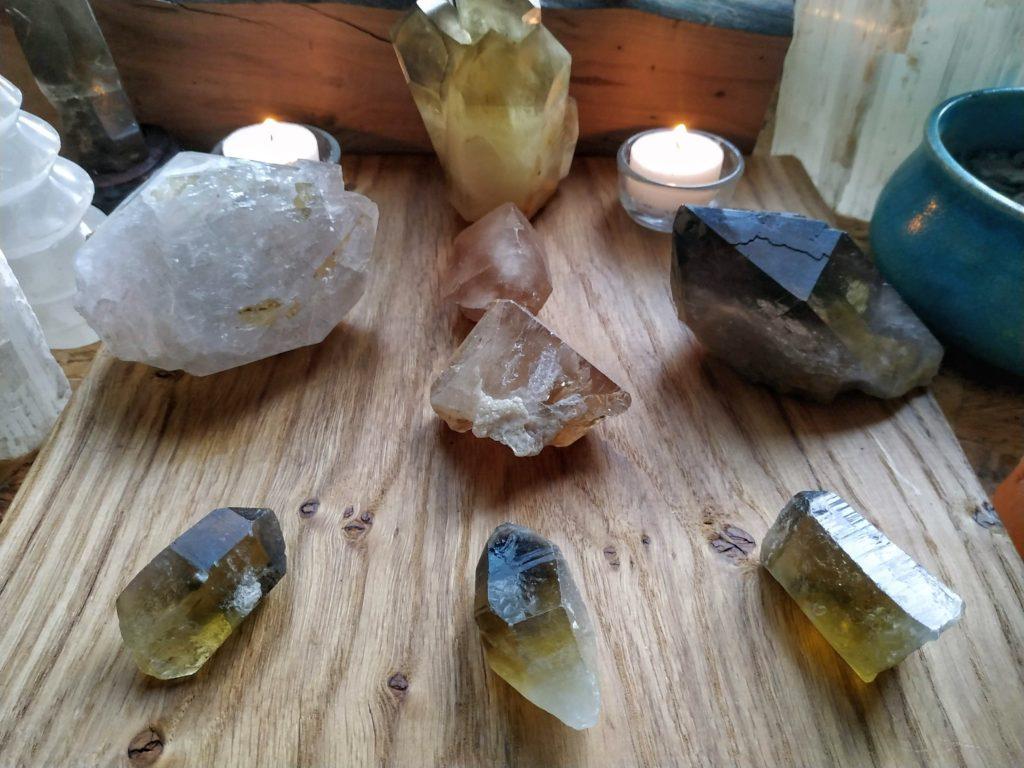 krystalová mřížka záhněda, topaz a citrín