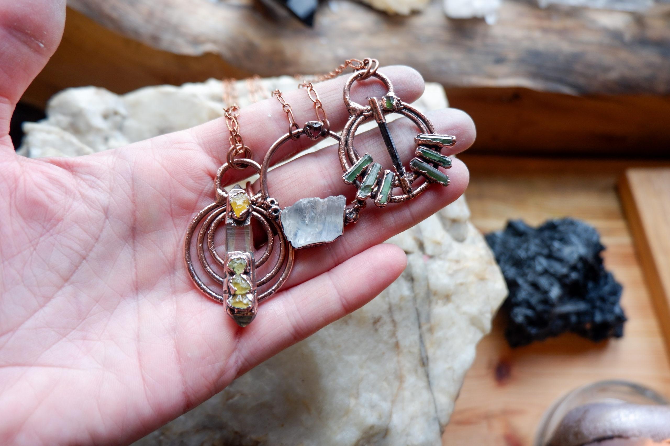 Šperky z minerálů – nejlepší forma krystaloterapie