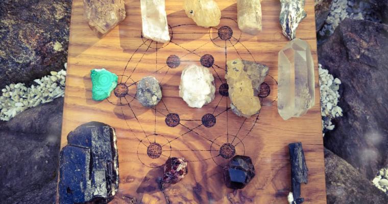 Krystaloterapie – ukradená moc nejen slov
